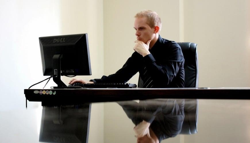 Rolowanie mięśni a praca biurowa