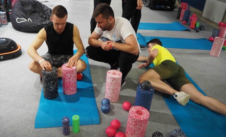 Rolowanie mięśni na treningu OMS Blog