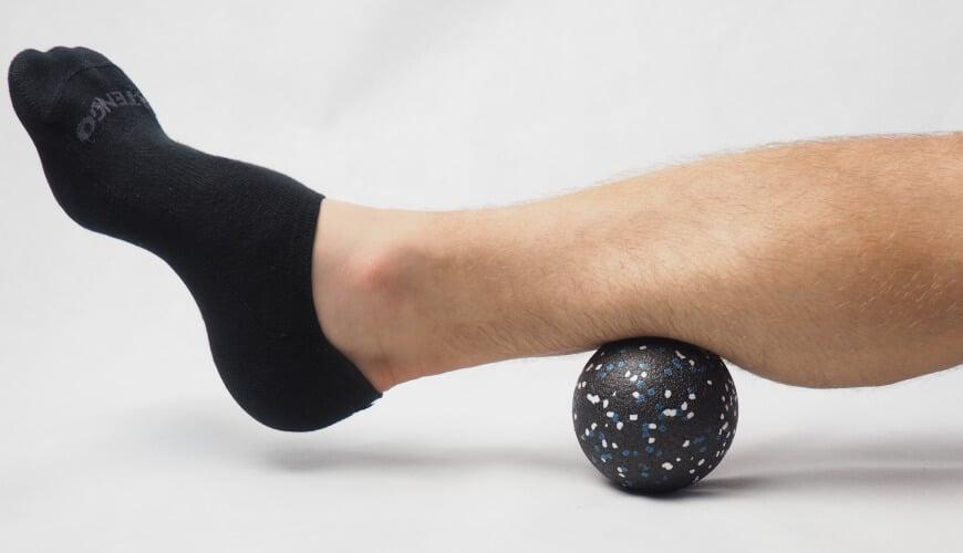 Rolowanie piłką do masażu OMS Blog